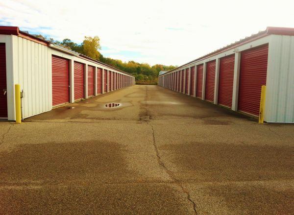 Gezon Self Storage - Wyoming 1425 Gezon Parkway Southwest Wyoming, MI - Photo 4