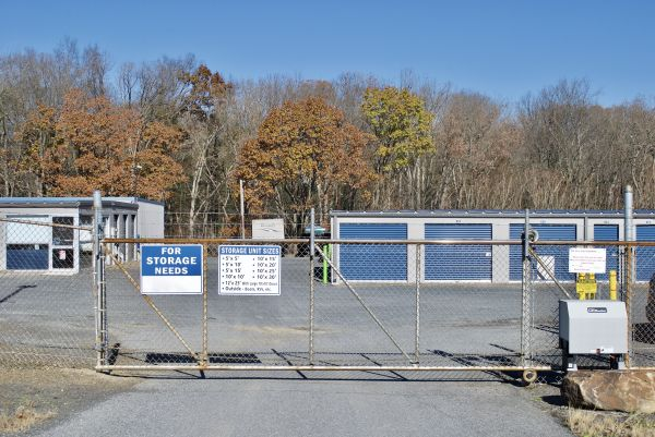 Sunrise Storage 1213 Centre Turnpike Orwigsburg, PA - Photo 4