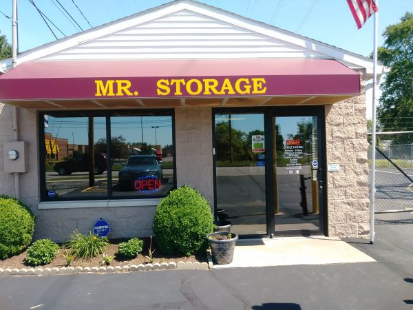 Mr. Storage - Glendale Avenue 2800 Glendale Avenue Toledo, OH - Photo 0