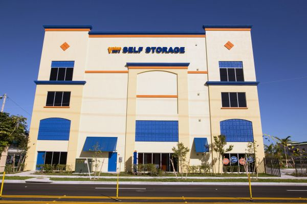 Value Store It - Hollywood 2057 Taft Street Hollywood, FL - Photo 2