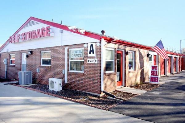 iStorage Benjamin Hills 2940 North Amidon Avenue Wichita, KS - Photo 0