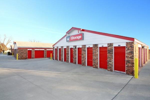 iStorage Kansas City Troost Ave. 8901 Troost Avenue Kansas City, MO - Photo 4