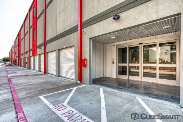 CubeSmart Self Storage - Dallas - 5505 Maple Ave 5505 Maple Ave Dallas, TX - Photo 3