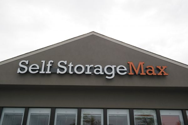 Self Storage Max 58968 Van Dyke Washington, MI - Photo 2