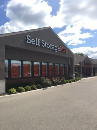 Self Storage Max 58968 Van Dyke Washington, MI - Photo 1