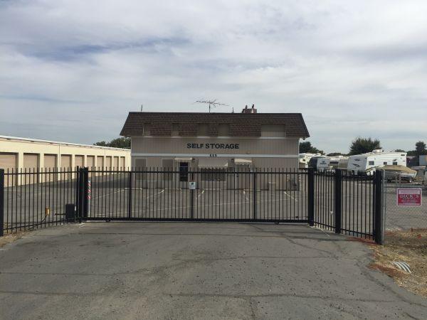 Stow Away Mini Storage 889 N George Washington Blvd Yuba City, CA - Photo 6