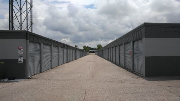 United Self Storage of Pasco 11214 Us Highway 19 N Port Richey, FL - Photo 2