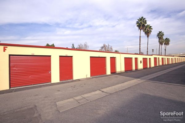 BA Storage 620 N Heliotrope Dr Los Angeles, CA - Photo 8