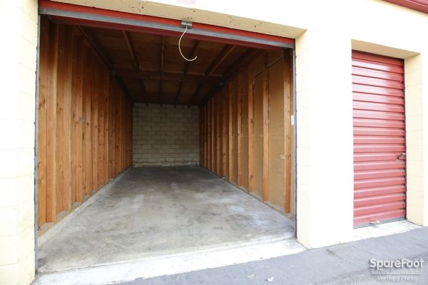 BA Storage 620 N Heliotrope Dr Los Angeles, CA - Photo 9