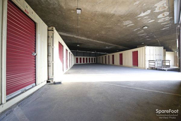BA Storage 620 N Heliotrope Dr Los Angeles, CA - Photo 12