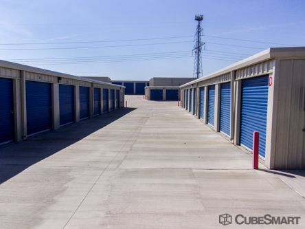 CubeSmart Self Storage - Grand Prairie 3031 Equestrian Ln Grand Prairie, TX - Photo 2