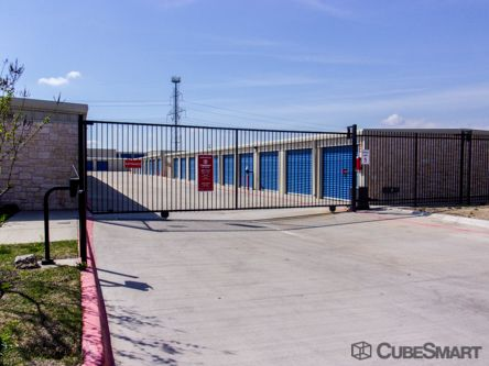 CubeSmart Self Storage - Grand Prairie 3031 Equestrian Ln Grand Prairie, TX - Photo 3