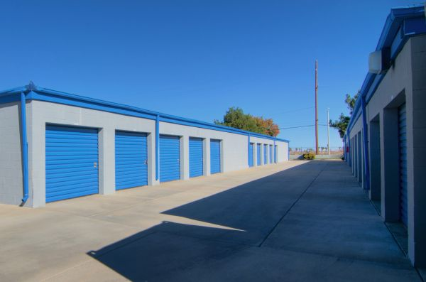 A American Self Storage 10th Street West Lowest Rates