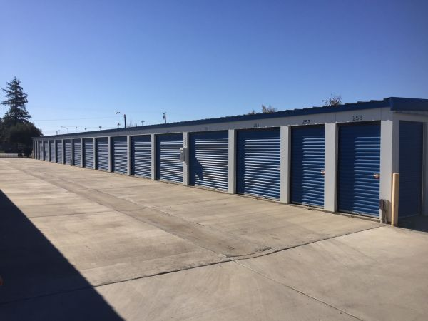 Lions Storage 3201 South Chester Avenue Bakersfield, CA - Photo 3