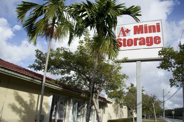A Mini Storage Doral Lowest Rates Selfstorage Com