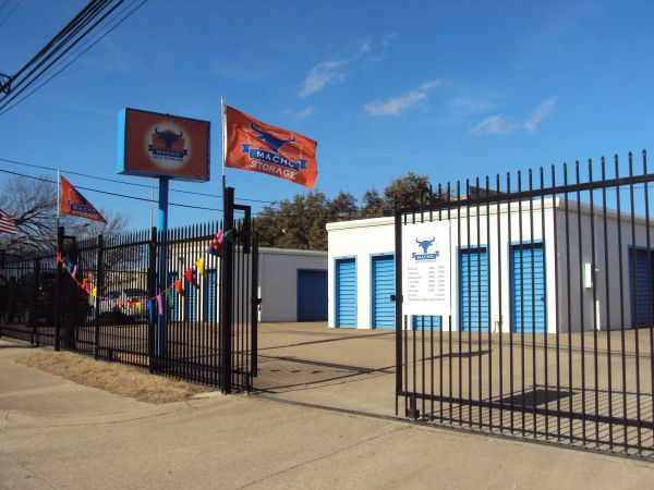 Macho Self Storage - Dallas Willowbrook 2601 Willowbrook Road Dallas, TX - Photo 2
