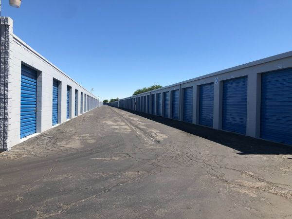 Purely Storage - Lancaster 2 1209 East Avenue I Lancaster, CA - Photo 2