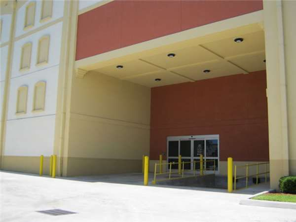 Extra Space Storage - Hollywood - N Dixie Hwy 430 North Dixie Highway Hollywood, FL - Photo 1