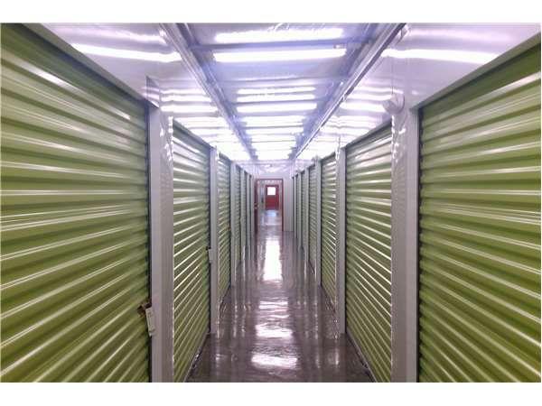 Extra Space Storage - Hillsboro - SE 73rd Avenue 2920 Southeast 73rd Avenue Hillsboro, OR - Photo 2