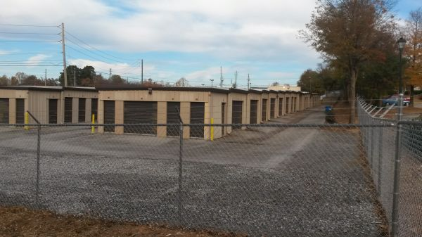 Byrd's Mini Storage - Linwood Dr 319 Linwood Drive Gainesville, GA - Photo 2