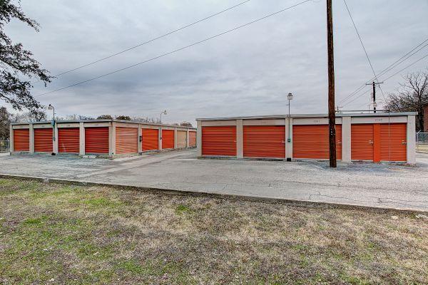 Stash N Go Storage - O'Neal 2707 Oneal Ln Austin, TX - Photo 5