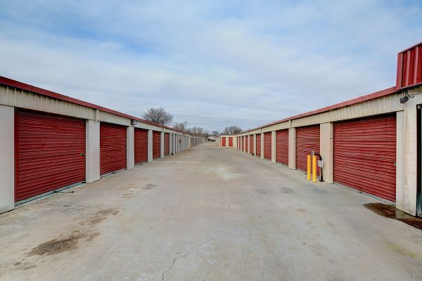 Round Rock Mini Storage - East Palm Valley 1400 East Palm Valley Boulevard Round Rock, TX - Photo 3