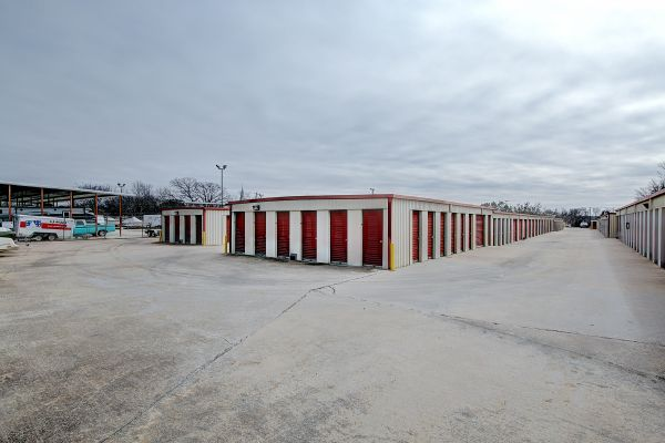 Round Rock Mini Storage - East Palm Valley 1400 East Palm Valley Boulevard Round Rock, TX - Photo 5