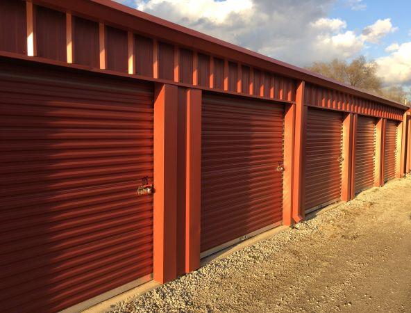 Gateway Storage Mall - Dupo 715 Falling Springs Rd Dupo, IL - Photo 2