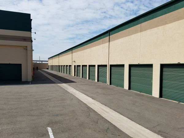 National City Self Storage 430 West 30th Street National City, CA - Photo 2