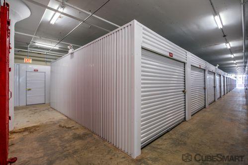 CubeSmart Self Storage - Chicago - 1038 W 35th St 1038 W 35th St Chicago, IL - Photo 2