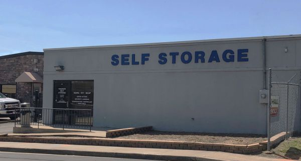 Madison Self Storage 111 Woodruff Street Nashville, TN - Photo 4