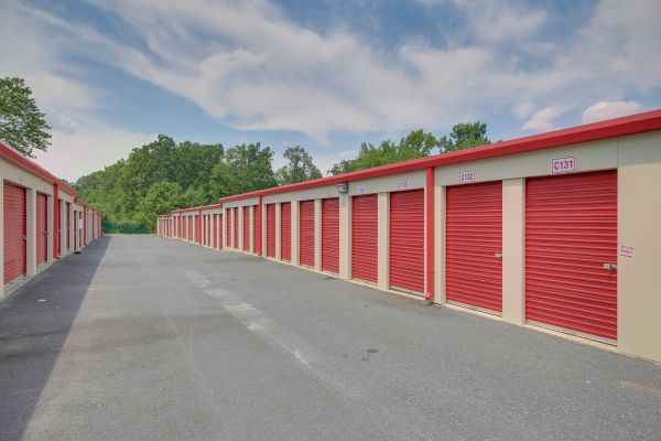 10 Federal Self Storage - 1825 Fayetteville St, Asheboro, NC 27203 1825 North Fayetteville Street Asheboro, NC - Photo 1