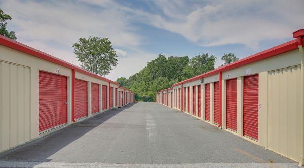 10 Federal Self Storage - 1825 Fayetteville St, Asheboro, NC 27203 1825 North Fayetteville Street Asheboro, NC - Photo 4