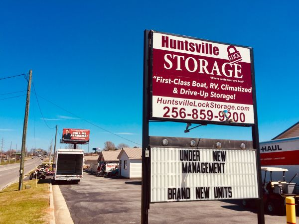 Huntsville Lock Storage 850 Winchester Road Northeast Huntsville, AL - Photo 1