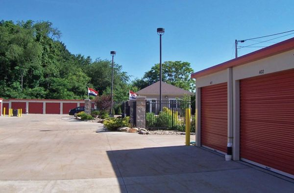 Summit Self Storage - Chapel Hill 1892 Buchholzer Boulevard Akron, OH - Photo 2