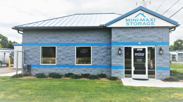 Mini-Maxi Storage - Clinton Twp 1550 Gratiot Avenue Charter Township of Clinton, MI - Photo 0