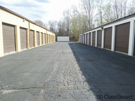 CubeSmart Self Storage - Waterford Township - 4303 Highland Rd 4303 Highland Road Waterford Township, MI - Photo 2
