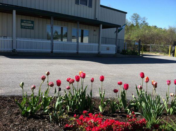 A Plus Storage Corporation: Lowest Rates - SelfStorage.com  Free Landscape Design Garden on