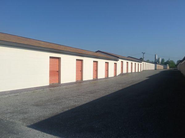 First USA Storage of Clarksville 560 Tiny Town Road Clarksville, TN - Photo 3