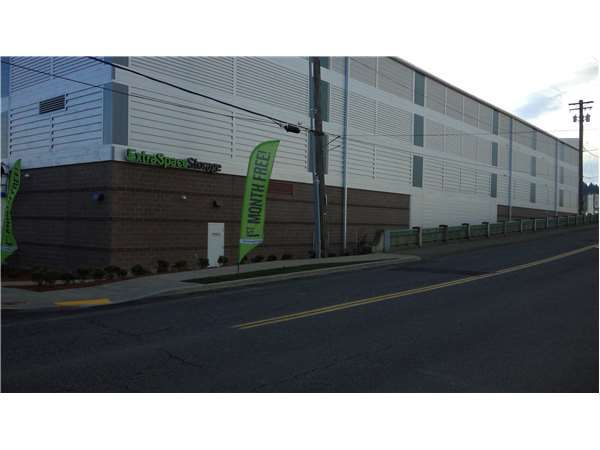 Extra Space Storage - Portland - Holladay St 989 Northeast 61st Avenue Portland, OR - Photo 4