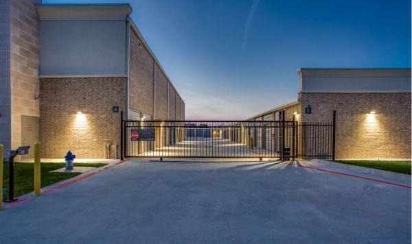 Advantage Storage - McDermott Square 2845 McDermott Road Plano, TX - Photo 3