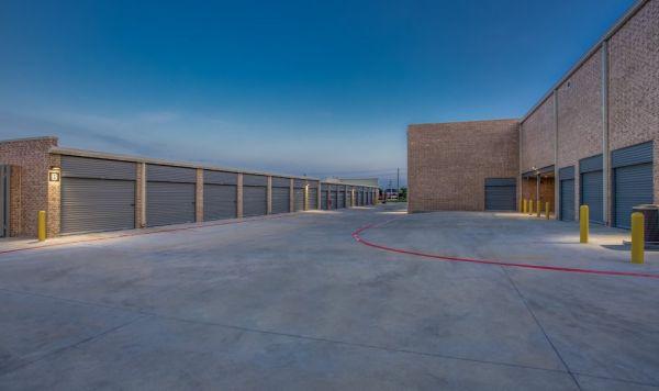 Advantage Storage - McDermott Square 2845 McDermott Road Plano, TX - Photo 5