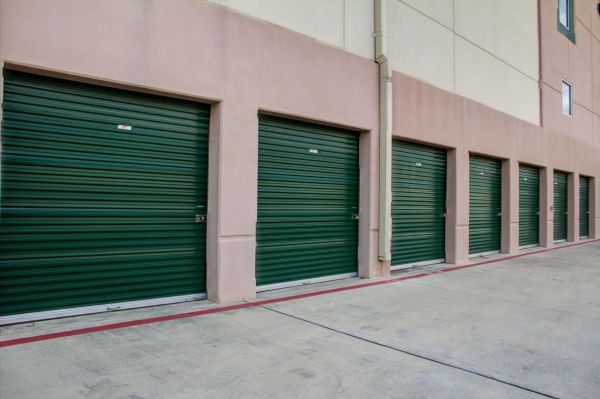 ... Lockaway Storage   Encino21703 Encino Commons   San Antonio, TX   Photo  3 ...