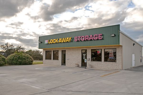 Lockaway Storage - I-35 Schertz 18913 North Interstate 35 Frontage Road Schertz, TX - Photo 4