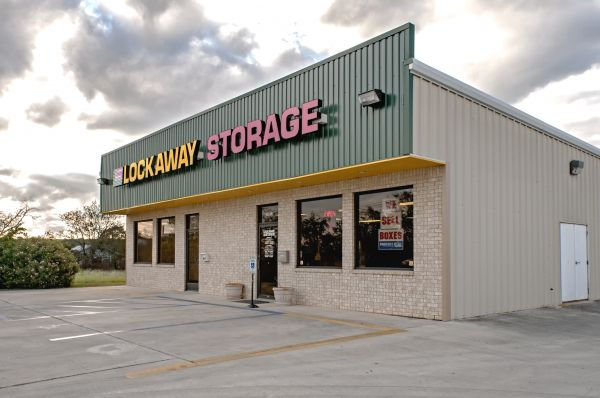 Lockaway Storage - I-35 Schertz 18913 North Interstate 35 Frontage Road Schertz, TX - Photo 5