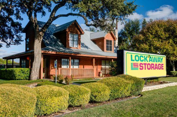 Lockaway Storage - Airport 907 N Coker Loop Rd San Antonio, TX - Photo 0