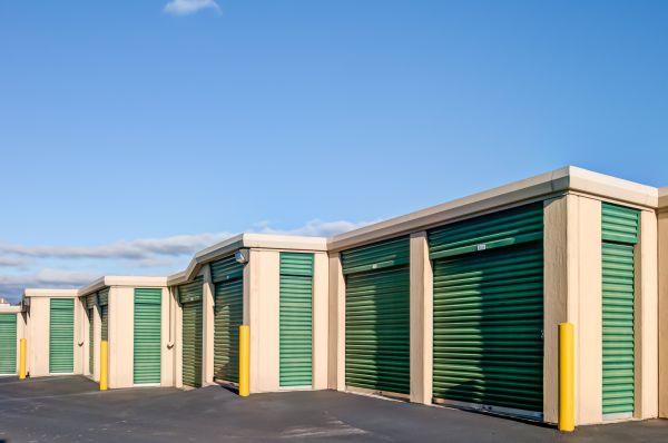 Lockaway Storage - Airport 907 N Coker Loop Rd San Antonio, TX - Photo 4