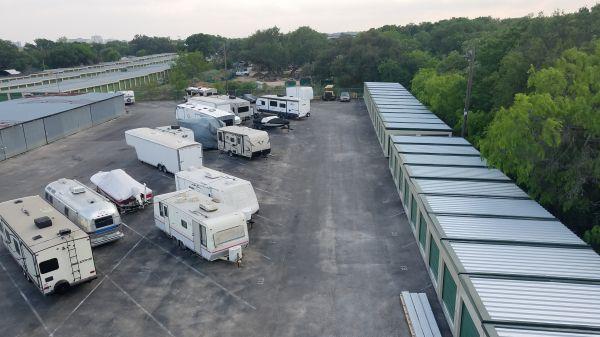 Lockaway Storage - Airport 907 N Coker Loop Rd San Antonio, TX - Photo 2