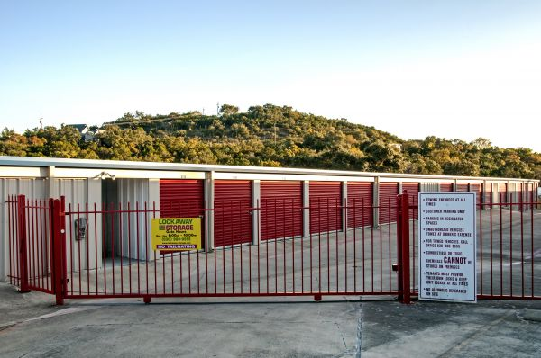 Lockaway Storage - North 281 27904 U.S. 281 San Antonio, TX - Photo 4