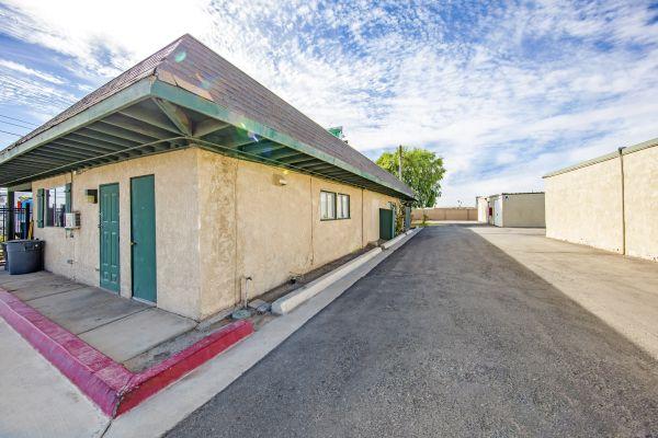 StaxUp Storage - El Centro 902 East Evan Hewes Highway El Centro, CA - Photo 2
